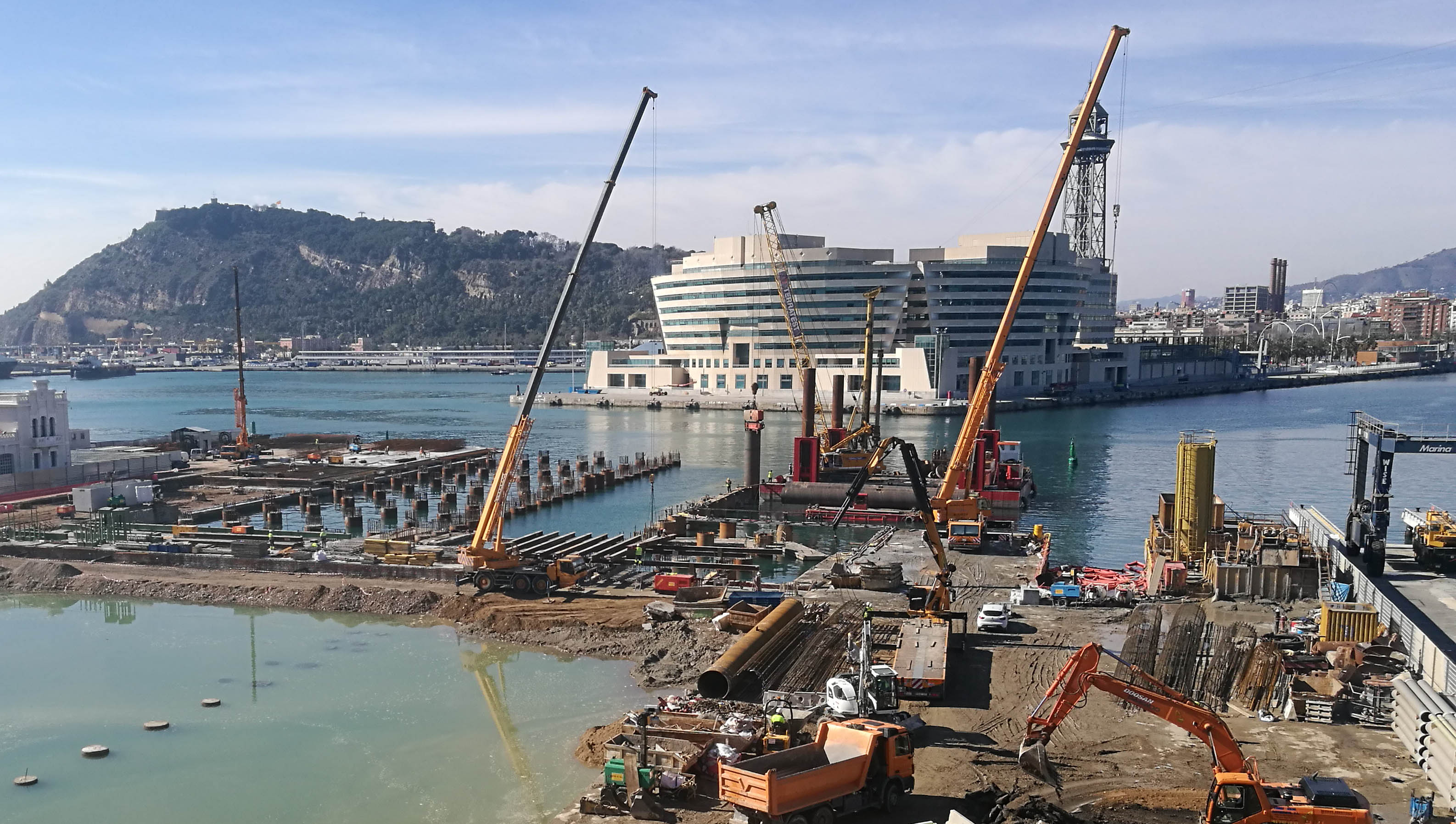 grua, pot de barcelona, shiplift, marina 92, trade center, enginyeria maritima, ingenieria marítima, gruas, pilotes marinos