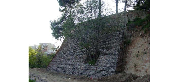 Torrent d'en Farre, Esplugues de Llobregat, Mur Gabions, FAD 2005 Finalista,